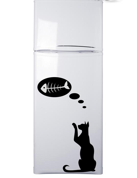 Кошка с рыбой