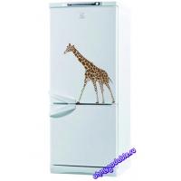 Жираф - наклейка на холодильник